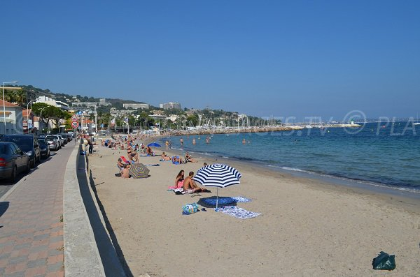Photo of the Gazagnaire beach in Cannes