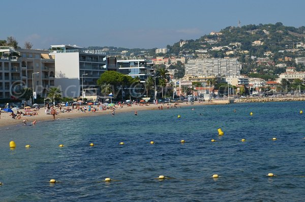Sandstrand bei Pointe Croisette in Cannes