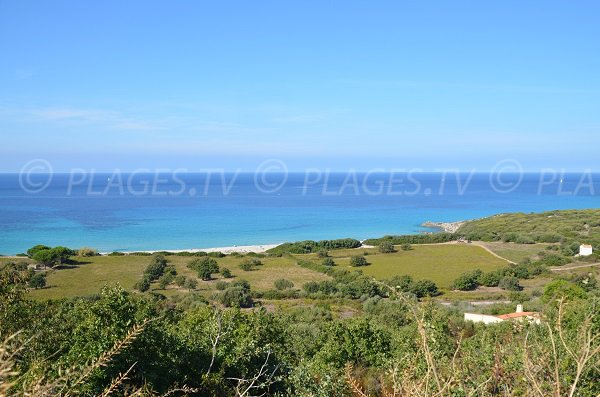 Vue globale de la plage de Giunchetu en Balagne - Corse