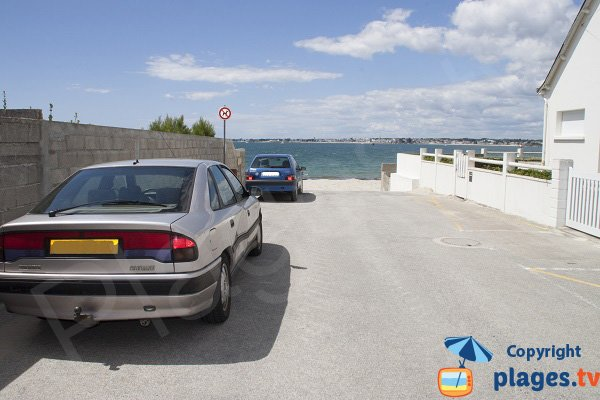 Parking of Goerem beach in Gavres