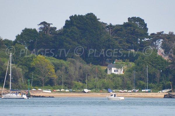 Plage du Goret sur l'ile aux moines dans le golfe du Morbihan