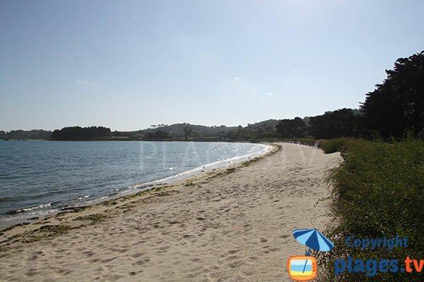 Photo de la plage de Gouermel à Plougrescant