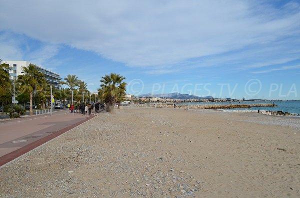 Plage de sable à Cagnes sur Mer