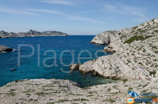 Cove near Grand Soufre calanque in Frioul island