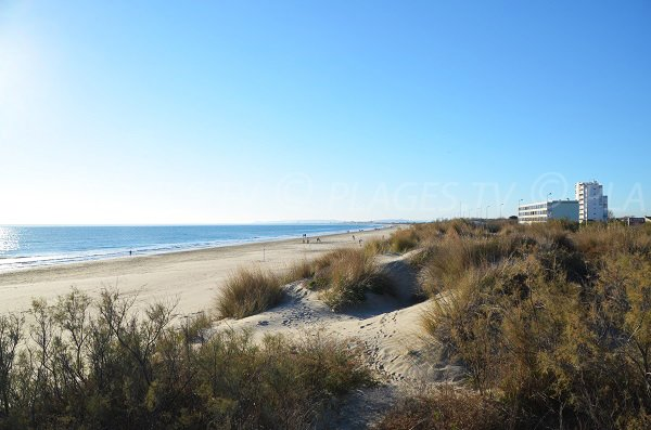Photo de la plage du Grand Travers de la Grande Motte en direction de Carnon-Plage