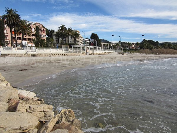 Plage proche du centre ville de Bandol - plage du Grand Vallat