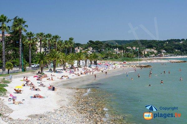 Photo de la plage à l'entrée de Bandol