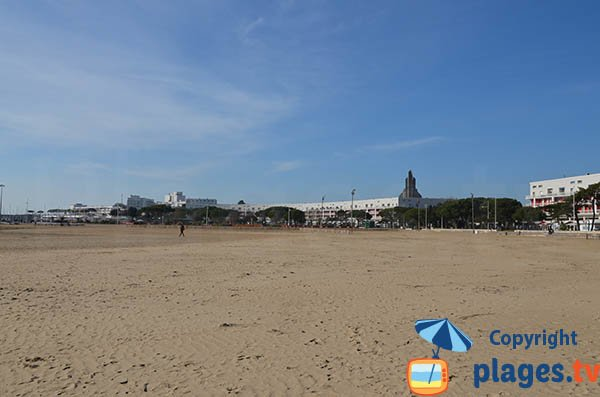 Royan seafront promenade along the beach