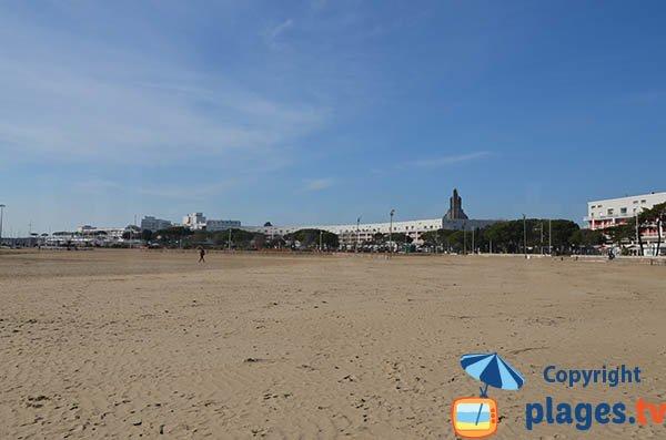 Promenade du front de mer de Royan le long de la grande plage