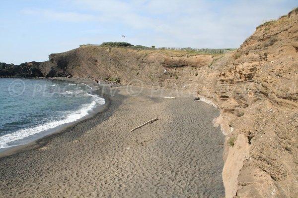 Plage de sable gris au Cap d'Agde