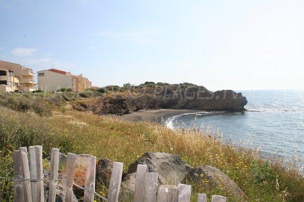 Falaises de la plage de la Grande Conque au Cap d'Agde