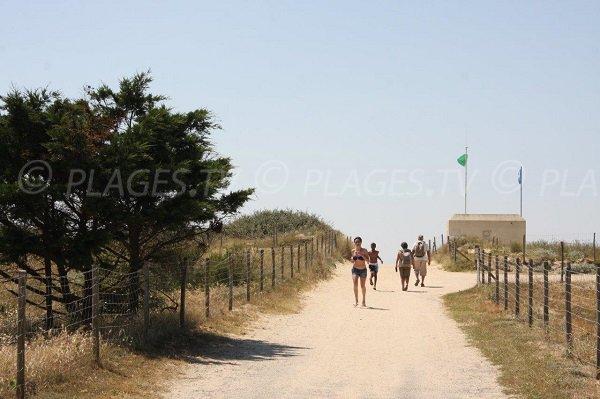 Accès à la plage de la Turballe