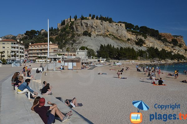 Central beach in Cassis