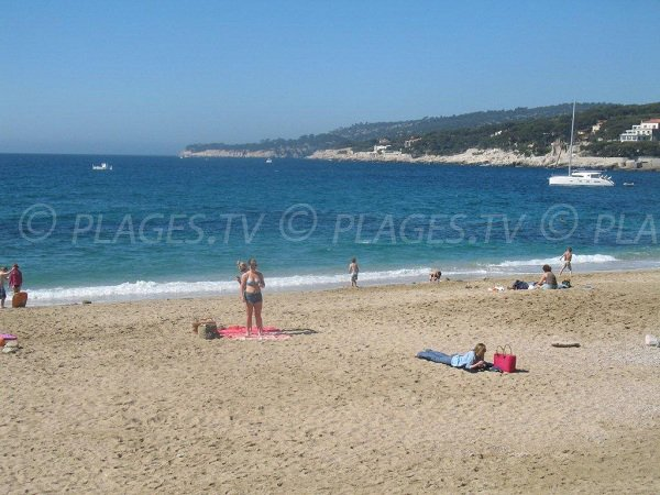 Public beach in Cassis