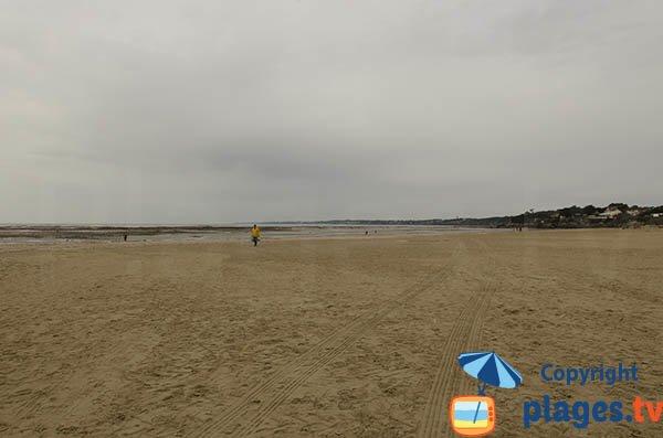 Grande Plage de La Bernerie en Retz à marée basse