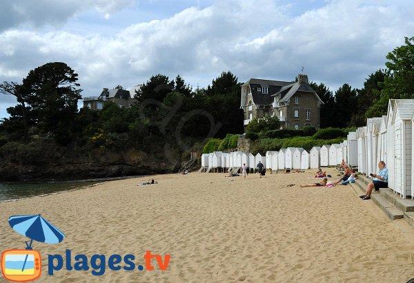 Cabines de bains sur la plage de la Salinette - Saint Briac sur Mer