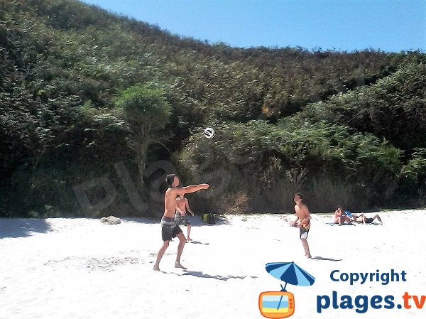 Jeux de plage sur l'ile de Groix