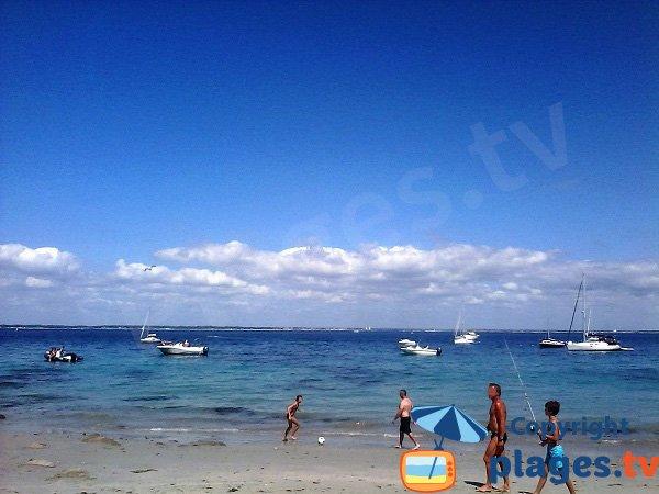 Pêche sur la plage principale de l'ile de Groix