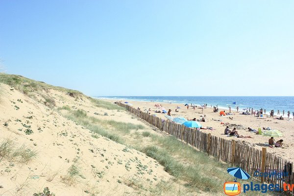 Granges beach in olonne sur mer vendee france for Piscine des chirons olonne sur mer
