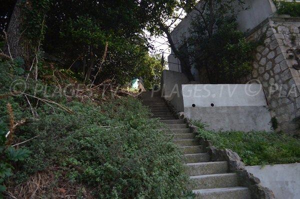 Escalier pour la plage Grasseuil au Cap Ferrat