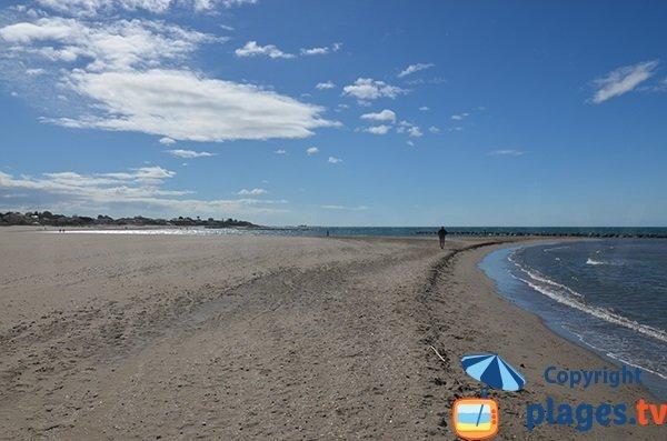 Grau d'Agde beach towards St-Vincent beach