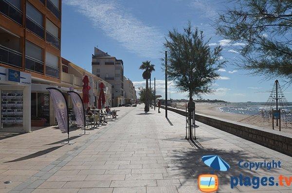 Promenade piétonne en front de mer du Grau d'Agde