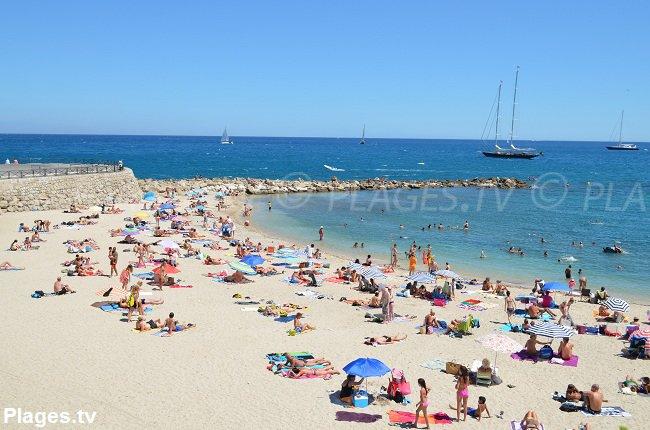 Gravette beach in Antibes