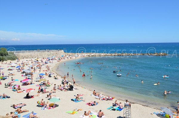 Gravette beach in Antibes