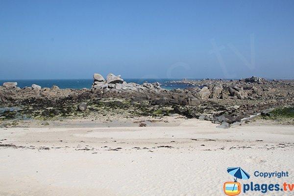 Rocks of Grenouillère beach - Cléder