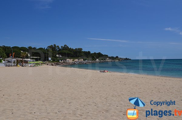 Location de matelas sur la plage à la sortie de Port Grimaud