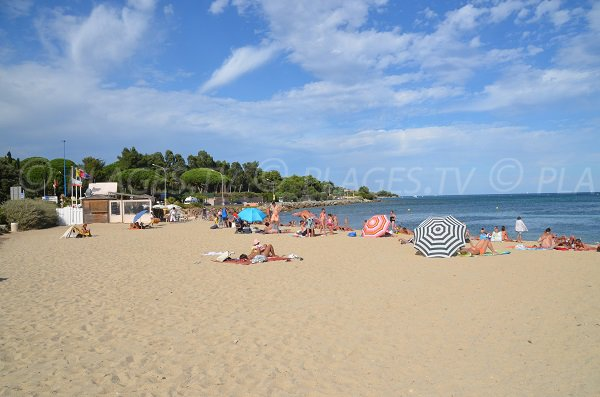 Photo of Guerrevieille beach in Port-Grimaud in summer