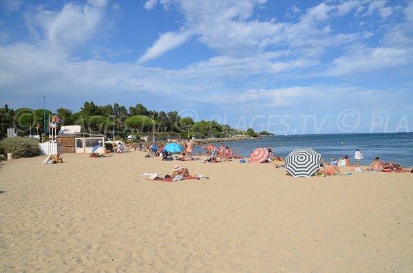 Photo de la plage de Guerrevieille à Grimaud en été