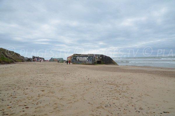 Plage avec blockhaus en Gironde