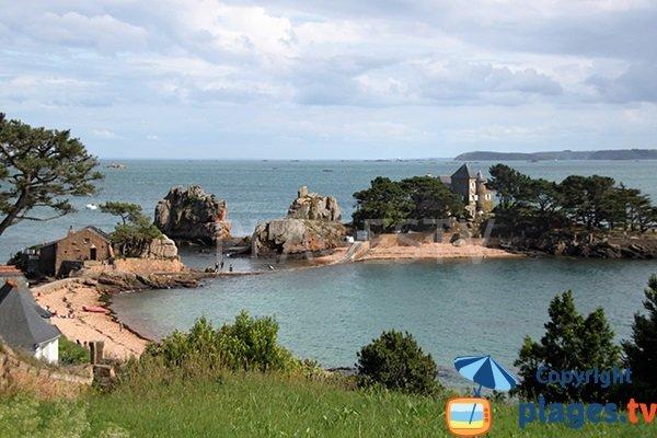 Photo de la plage de Gwerzido sur l'ile de Bréhat en Bretagne
