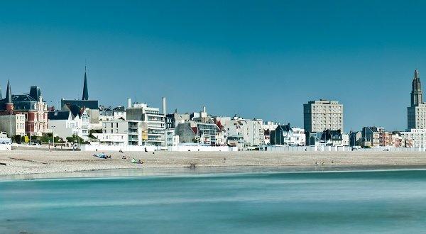 Plage de galets au Havre