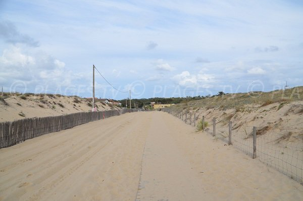 Access to the Horizon beach in Cap Ferret