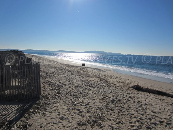 Almanarre beach with view on peninsula of Giens - France