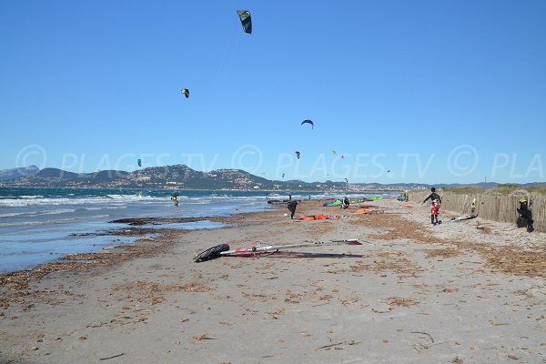 Kite surfers on the Almanarre beach in Hyeres