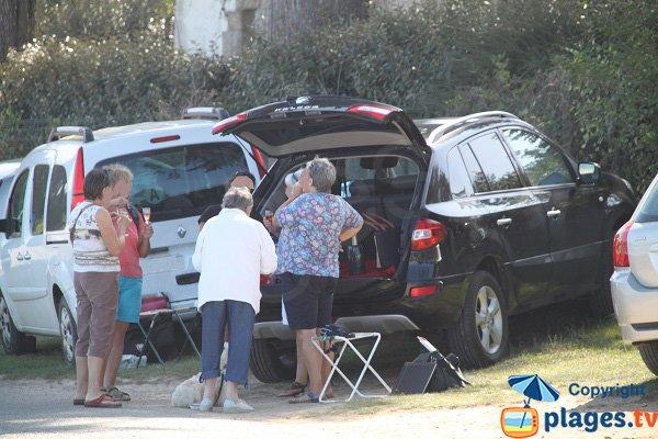 Parking de la plage de l'ile Blanche - Locquirec