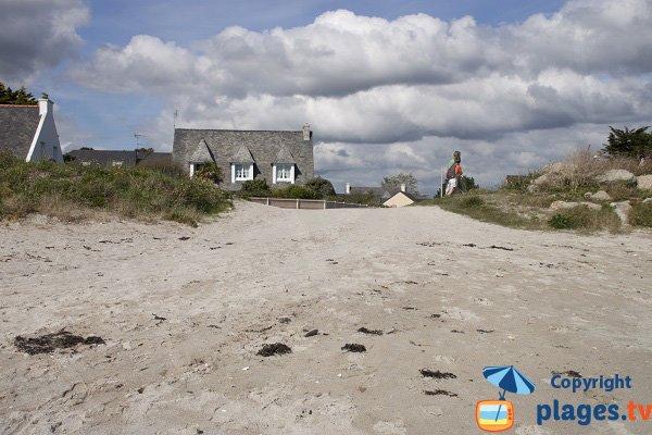 Accès et jolies maisons bretonnes au bord de la plage - Ile Tudy