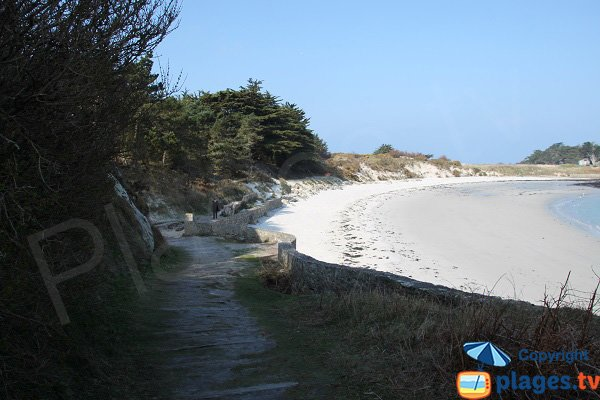 Access to Jacobins beach of Perharidi (Roscoff)