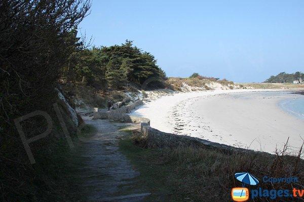 Access to Jacobins beach of Perharidi (Roscoff)