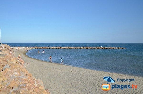 Plage près du port du Canet en Roussillon