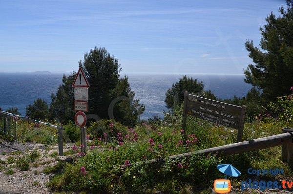 Access to Jonquet beach in La Seyne sur Mer