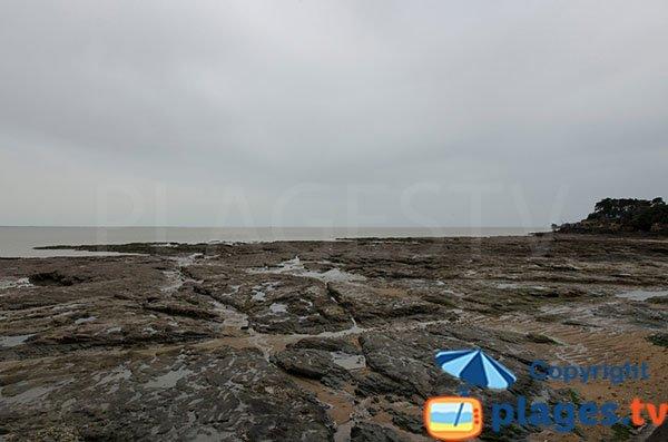 Rochers sur la plage de Joselière - Pornic