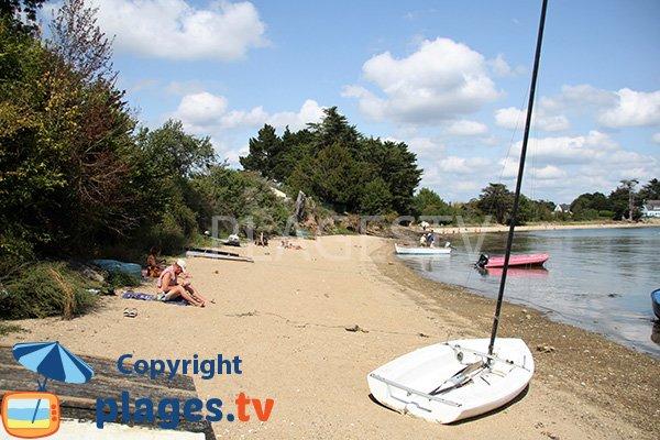 Photo de la plage de Kalzbagou sur l'ile d'Arz