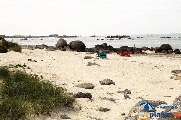 Annexes sur la plage de Karreg Hir à Kerlouan