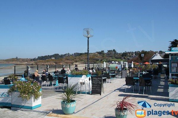 Restaurants sur la plage de Kelenn à Carantec