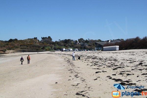 Cabines de bains sur la plage du Kelenn