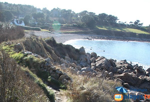 Sentier d'accès à la plage de Keraden depuis Port-Blanc